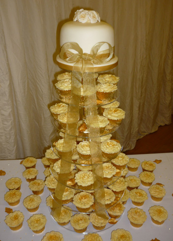 Cupcake Tower Weddings click image to enlarge